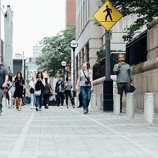 Étudier nos rues du point de vue des piétons